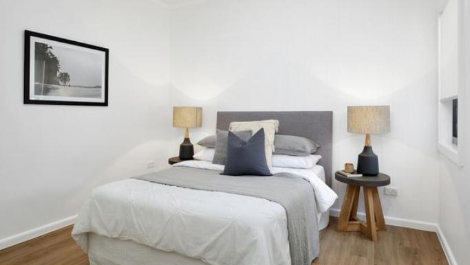 Edinburgh Bed 2